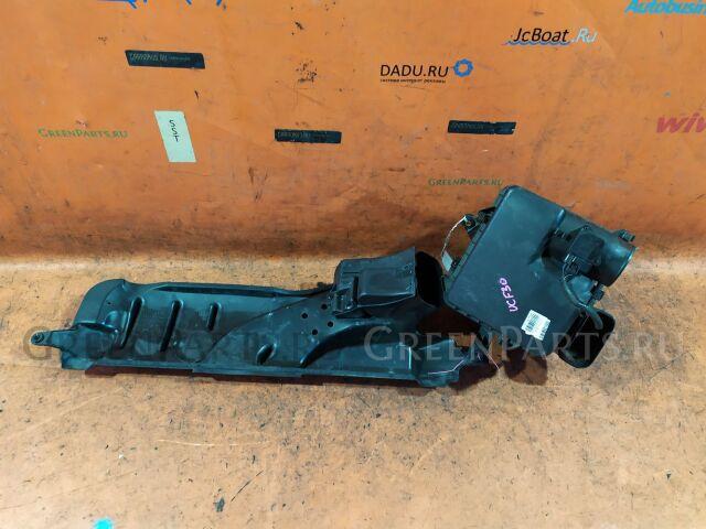 Корпус воздушного фильтра на Toyota Celsior UCF30 3UZ-FE