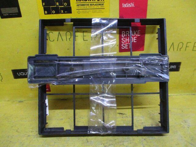 Корпус салонного фильтра на Toyota Mark II GX110 1G-FE