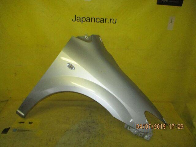 Крыло на Mazda Mpv LW3W
