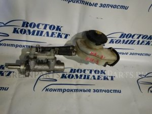Главный тормозной цилиндр на Honda Civic EU3 D17A