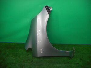 Крыло переднее на Honda Fit GD1