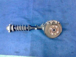 Стойка амортизатора на Honda Life JB1 E07Z-504