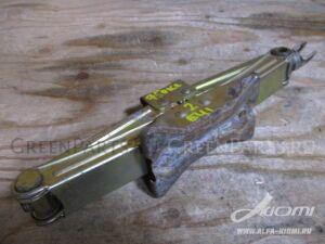 Домкрат на Honda Mobilio Spike GK1 L15A