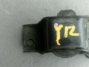 Подушка двигателя на Nissan Y12 MR20