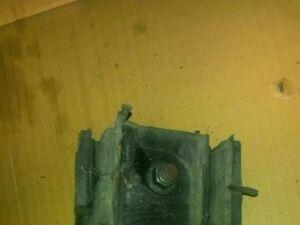 Подушка двигателя на Nissan C34/C35 RB20