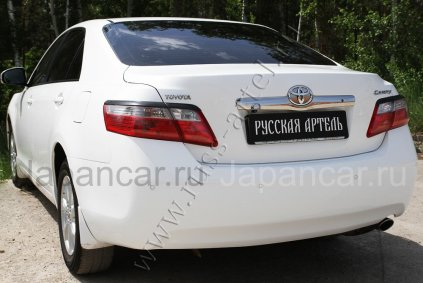 Накладки на фары на Toyota Camry в Хабаровске