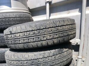 Шины Dunlop 175/80R13 на дисках Toyota R13