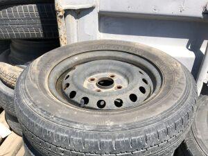Шины Dunlop 165/80R13LT на дисках Toyota R13