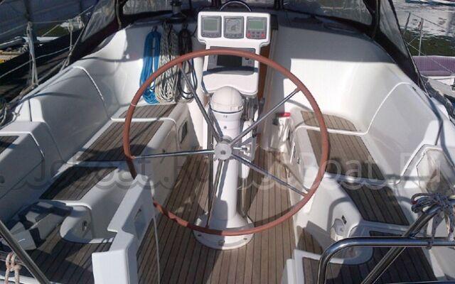яхта парусная BENETEAU OCEANIS 373 2005 года