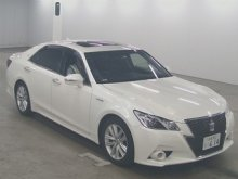 TOYOTA CROWN HYBRID 2015