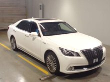 TOYOTA CROWN MAJESTA 2015