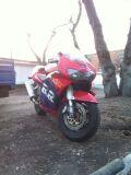 спортбайк HONDA CBR900RR