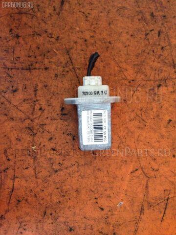 Регулятор скорости мотора отопителя на Nissan Liberty PM12 SR20DE