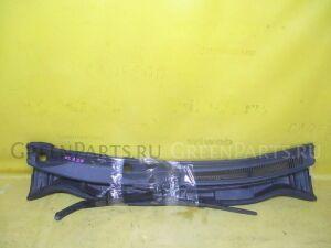 Решетка под лобовое стекло на Toyota Wish ZGE20G