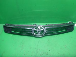 Решетка радиатора на Toyota Camry