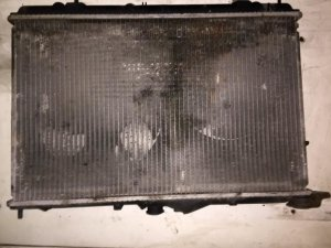 Радиатор на Mitsubishi Carisma