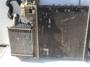 Радиатор на Mercedes-benz Vito