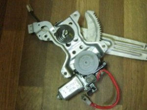 Стеклоподъемный механизм на Mitsubishi Pajero/Montero Sport (K9)