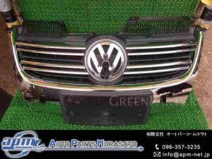 Решетка радиатора на Volkswagen Golf WVWZZZ1KZ8M276449 BLG